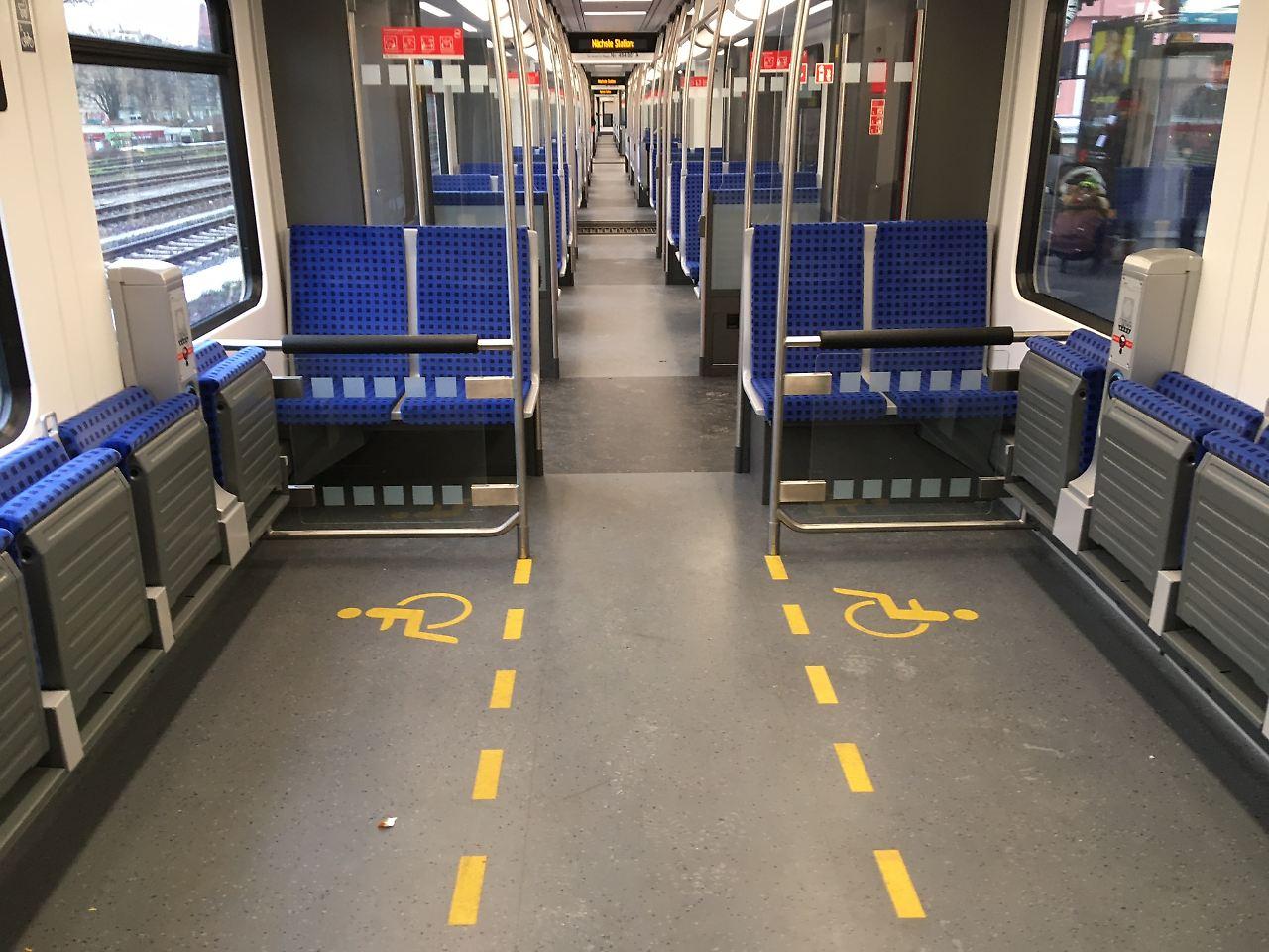 Erster S-Bahn-Zug der neuen Baureihe in Berlin gestartet